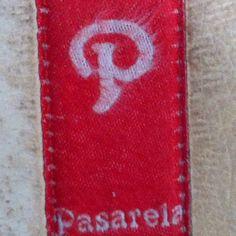 http://pinterestbutton.biz Un logo muy parecido al de @Pinterest pero bastante m�s antiguo y de una cadena de zapater�as Special