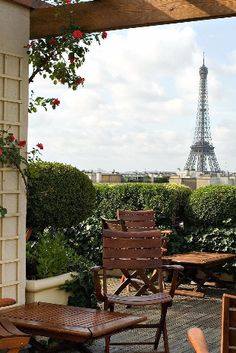 This romantic rooftop terrace has perfect Eiffel Tower views. Hotel Raphael (Paris, France) - Jetsetter by jaxson Paris France, Oh Paris, Tour Eiffel, Paris Travel, France Travel, Hotel Raphael, The Places Youll Go, Places To Go, Beautiful Paris