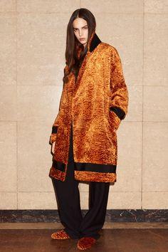 http://www.vogue.com/fashion-shows/pre-fall-2017/victoria-victoria-beckham/slideshow/collection