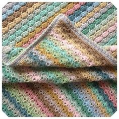 Haakpatronen   Een Mooi Gebaar The Dunes, I Shop, Blanket, Crochet, Instagram, Crochet Crop Top, Rug, Blankets, Chrochet