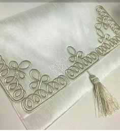 Wedding Belts, Wedding Sash, Bridal Sash, Rhinestone Wedding, Crochet Art, Crochet Stitches, Hand Embroidery, Embroidery Designs, Romanian Lace