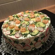 Festliche Sandwichtorte von Esslust | Chefkoch Sandwich Torte, Sandwiches, Brunch, Appetizers, Cake, Desserts, Recipes, Savory Tart, Finger Food
