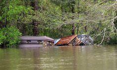 Louisiana Flooding Sends Caskets Far and Wide (05-06-16). http://www.thefuneralsource.org/cemla.html