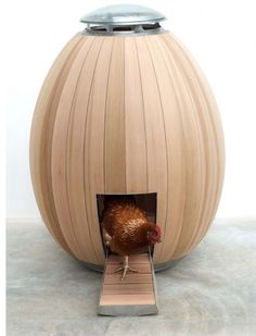 Mid century modern chicken Coop ... luxury...I would have chickens with this great design!