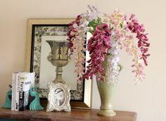 Cách trưng bày hoa tươi thu hút may mắn vào nhà Glass Vase, Candle Holders, Candles, Home Decor, Decoration Home, Room Decor, Porta Velas, Candy, Interior Design