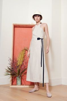 Rosetta Getty Spring 2019 Ready-to-Wear Fashion Show Collection: See the complete Rosetta Getty Spring 2019 Ready-to-Wear collection. Look 15 Estilo Preppy, Stylish Outfits, Fashion Outfits, New Yorker Mode, Rosetta Getty, Spring Fashion Trends, Fashion Show Collection, White Fashion, Simple Dresses