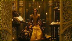 the fountain: queen Isabella The Fountain Movie, Rachel Weisz Movies, Film Composition, Queen Isabella, Darren Aronofsky, Throne Room, Royal Red, Halloween 2017, Hugh Jackman