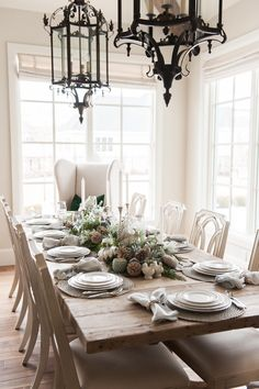 fall table tablescape thanksgiving table decor fall decor fall table setting entertaining silver and white fine china pumpkins Source by laurelvanhooser Decor 2018 Elegant Home Decor, Elegant Table, Fall Home Decor, Autumn Home, Thanksgiving Table Settings, Thanksgiving Tablescapes, Holiday Tables, Friendsgiving Ideas, Thanksgiving Holiday