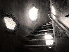 #Silos 13 pour Semapa et Calcia. L'escalier. pic.twitter.com/DQpzo7jBCX Stairs, Architecture, Twitter, Home Decor, Arquitetura, Stairway, Decoration Home, Staircases, Room Decor