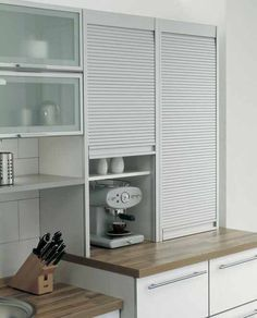 Inspirational Hidden Kitchen Storage Ideas You Must Have Kitchen Room Design, Modern Kitchen Design, Home Decor Kitchen, Interior Design Kitchen, Kitchen Furniture, Interior Modern, Kitchen Ideas, Kitchen Modular, Modern Kitchen Cabinets