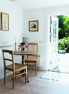 Beddinge, Small Dining Area, Vibeke Design, 1930s House, Interior Decorating, Interior Design, Dining Room Design, Small Spaces, Outdoor Furniture Sets