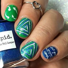 Happy Earth Day! This fab mani is by @mgshelnails - Triangle Swirl Nail Vinyls snailvinyls.com