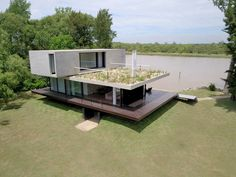 Casa no Delta / Estudio Cucciolla, © Gabriel Monteleone Mountain Villa, Casas Containers, Design Exterior, Garden Gazebo, Container House Design, Outdoor Sheds, Industrial House, Custom Homes, Modern Architecture