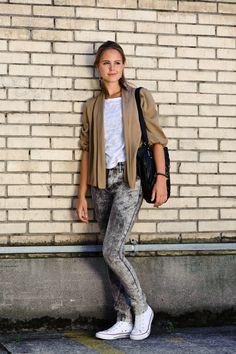 Brick Lane - Casual with Dip dye Jeans
