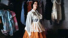 Gypsy dress in 1960s in Finland romani+romaninainen (580×326)