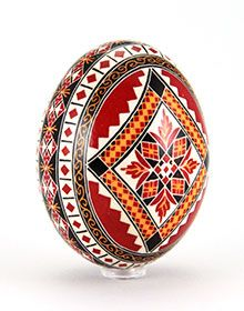 Hand-painted Easter eggs – Duck eggs in batik technique – gleaming New Crafts, Easter Crafts, Easter Egg Designs, Duck Eggs, Ukrainian Easter Eggs, Egg Art, Egg Decorating, Holiday Traditions, Pattern Art