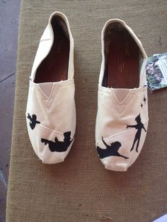 Soooo in love!!!! My size for Toms is 8 or 8 1/2 Peter Pan TOMS by AdrienneThompsonArt on Etsy, $85.00