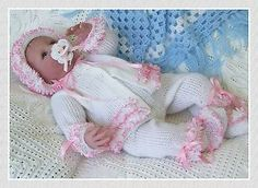 PIECE-HAND-KNITTING-PATTERN-WITH-LACE-baby-reborn-doll-with-a-16-18-chest