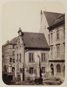 Gerichtslaube am alten Rathaus, um 1860 © Stadtmuseum Berlin   Foto: Leopold Ahrendts