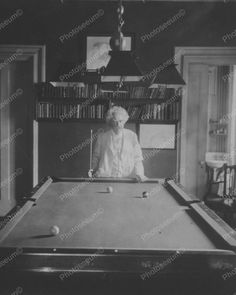 The Famous Rolling Stone Rock Star Keith Richards Playing Pool - Rolling pool table