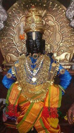 Shree Krishna Wallpapers, Lord Vishnu Wallpapers, Krishna Love, Krishna Art, Shiva Songs, Lord Rama Images, Banner Background Hd, Swami Samarth, Lord Ganesha Paintings
