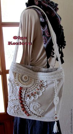 Bag with freeform crochet and bead work. Freeform Crochet, Irish Crochet, Knit Crochet, Handmade Handbags, Handmade Bags, Patchwork Bags, Crochet Purses, Crochet Bags, Large Shoulder Bags