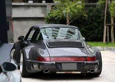 Porsche 964 RWB Targa
