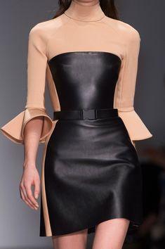 David Koma at London Fashion Week Fall 2015 - StyleBistro