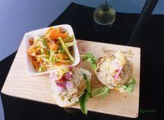 yvonne pork burger Pork Burgers, Pesto, Ethnic Recipes, Blog, Blogging
