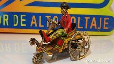 Juguetes antiguos de hojalata: ANTIGUO TRICICLO DE CHARLOT DE LA CASA PAYA - Foto 2 - 84585424