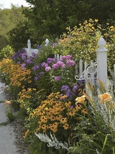 Where the formal garden is symmetrical and orderly, the cottage garden is anything but. Romantic, colorful and full of old fashioned favorites that include daisies, bellflowers, dahlias, lavender, ...