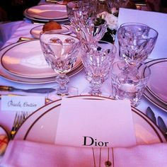 Throw on your ballgowns and tuxes! Who wants to join a lavish Dior dinner? Credit: priscilamonteiro #Diorvalley #Dior #Dinner #DiorDinner