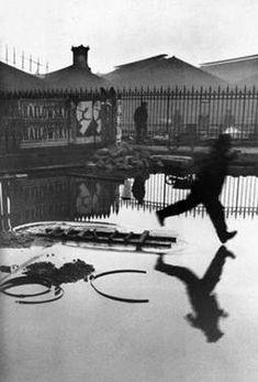 Pont De L'Europe, Paris, France, 1932 -- Henri Cartier Bresson. Regla de los tercios