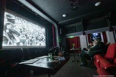 Film Blue, Flat Screen, Blues, Blood Plasma, Flatscreen, Dish Display
