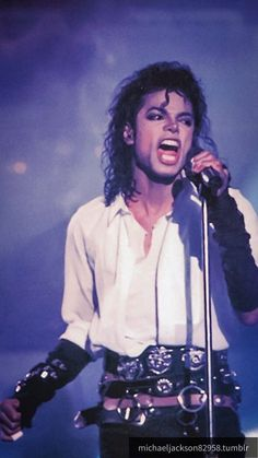 He looks so damn fine Michael Jackson Poster, Michael Jackson Wallpaper, Michael Jackson Bad Era, Lisa Marie Presley, Paris Jackson, Janet Jackson, Elvis Presley, Michael Jackson Dangerous, Mj Bad