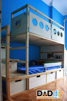Materials: Ikea Kura, wood Description: My eldest son was sleeping in a Kura bed, my youngest son in a small bed that had become too small. Problem: the room was too small for two beds and was full of toys scattered on the floor. So I decided to transform the Kura bed in a bunk [&hellip
