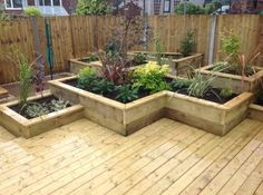 Raised Vegetable Garden Beds Can Be A Great Gardening Option Raised Flower Beds, Raised Garden Beds, Raised Beds, Raised Pond, Landscaping With Rocks, Backyard Landscaping, Small Japanese Garden, Deck Planters, Raised Vegetable Gardens
