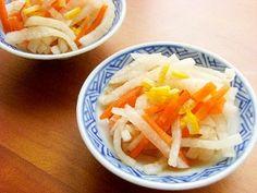 「塩不使用!すぐ食べる大根の漬物♪(あじポン酢)」トントン刻んで、ギュギュギュッと揉むだけです。減塩中の方にも最適です。【楽天レシピ】