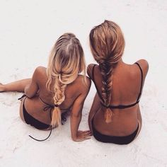 Here are 60 beach hair styles for your summer inspiration. Hair Inspo, Hair Inspiration, Fashion Inspiration, Bikini Sets, I Need Vitamin Sea, Gal Pal, Beach Hair, Beach Braids, Summer Braids