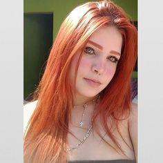 Piercing Na Sobrancelha E Risquinho Trendy Ideas Dark Red Hair, Red Hair Color, Beautiful Red Hair, Beautiful People, Red Hair Woman, Gorgeous Redhead, Ginger Girls, Hottest Redheads, Brazilian Girls