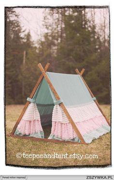 Looks like a bedskirt... Twin size?