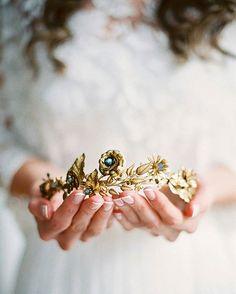 #Repost @magnoliarouge ・・・ INSPIRATION   Beautiful ethereal #weddinginspiration by @annatereshinaphoto on #magnoliarouge today. H&mua @mua_eigenmann, crown @naturae_design, florals @blumenandsterne, dress @kisui_berlin, calligraphy @kelseymaliecalligraphy, shoes @emmy.london, film lab @photovisionprints #bridalinspiration #bridalaccessories #goldcrown #bride #wedding