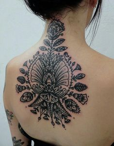 Girls with ink #tattoos #girlswithink #tattooedbabes #tatsandtits #booty #tattoo