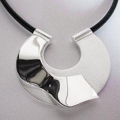 Sepa todo sobre la joyería de plata de moda al por mayor | ORO Y DIAMANTES. Anillos, collares, pendientes y todo tipo de joyas