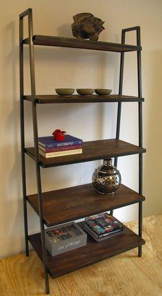 estanteria de hierro y madera rustico Raw Wood Furniture, Industrial Style Furniture, Loft Furniture, Reclaimed Wood Bookcase, Wooden Shelves, Bookcase Storage, Ladder Bookcase, Wide Bookcase, Storage Rack