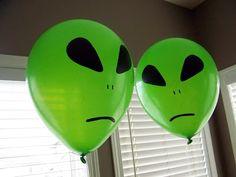Kiddles 'N Bits: Alien Party Alien Party, Space Party, Space Theme, Halloween Crafts, Halloween Party, Alien Cake, Alien Aesthetic, Cowgirl Party, Cowgirl Birthday