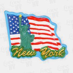 Egal ob für die Küche oder Magnettafel, dieser schöne New York Magnet sieht überall gut aus. Mit der Freiheitsstatue als New Yorker Wahrzeichen und Flagge der USA eignet sich dieser detailreiche Magnet in 3D-Optik auch als Geschenk für Ihre Freunde oder als Reiseandenken. #usa #amerika #america #liberty #newyorkcity #nyc #ny #newyork #statueofliberty #statue_of_liberty #freiheitsstatue #magnet