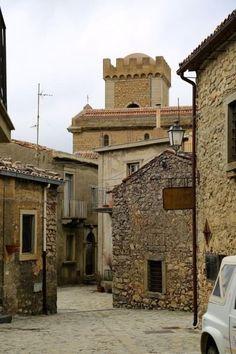 Il borgo più bello d'Italia è in Sicilia: Montalbano Elicona