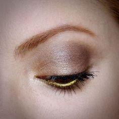 Julia Petit maquiagem em tons dourados inspirada em Katy Perry.