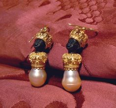 Crowned blackamoors earrings in Gold or Silver version, ebony heads and pearls, Dogale Jewellery Venice Italia